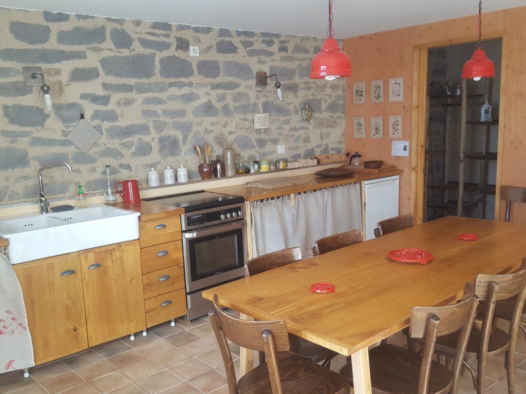 Auvergne-Volvic-Les-Ombelles-Cuisine